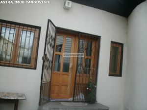 Casa boiereasca de vanzare in Targoviste- Ultracentral