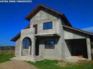 Casa P+1 de vanzare in Priseaca-Dambovita